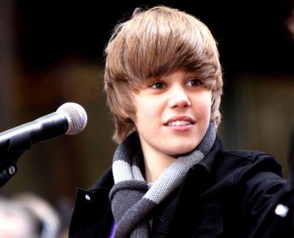 justin bieber hat size. Justin Bieber