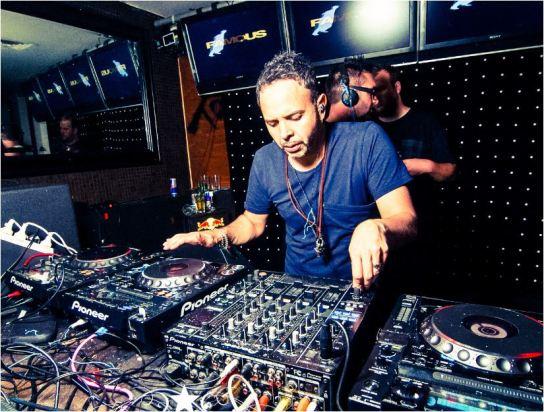 Neill Andrews DJ